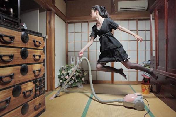 japanese-girl-cleaning